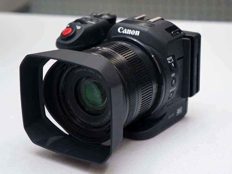コンシューマ向けのデジタルカメラのようなコンパクトさを実現している
