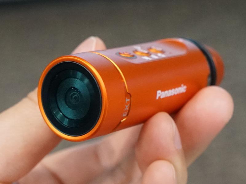 ウェアラブルカメラ「HX-A1H」、オレンジモデル