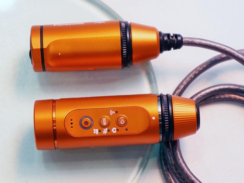 A500のカメラ部(上)とのサイズ比較