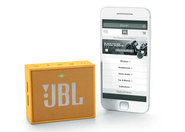 JBL GO(イエロー)とiPhone