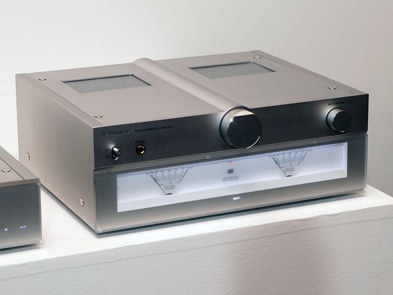 独自のフルデジタルアンプ「JENO Digital Engine」を搭載したステレオプリメインアンプ「SU-C700」