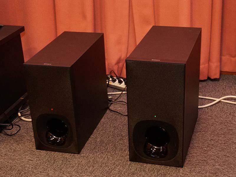 HT-CT780のサブウーファ(左)とHT-CT380のサブウーファ(右)