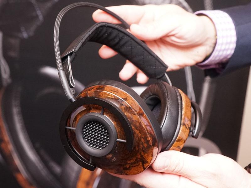 AudioQuest初のヘッドフォン「NightHawk」