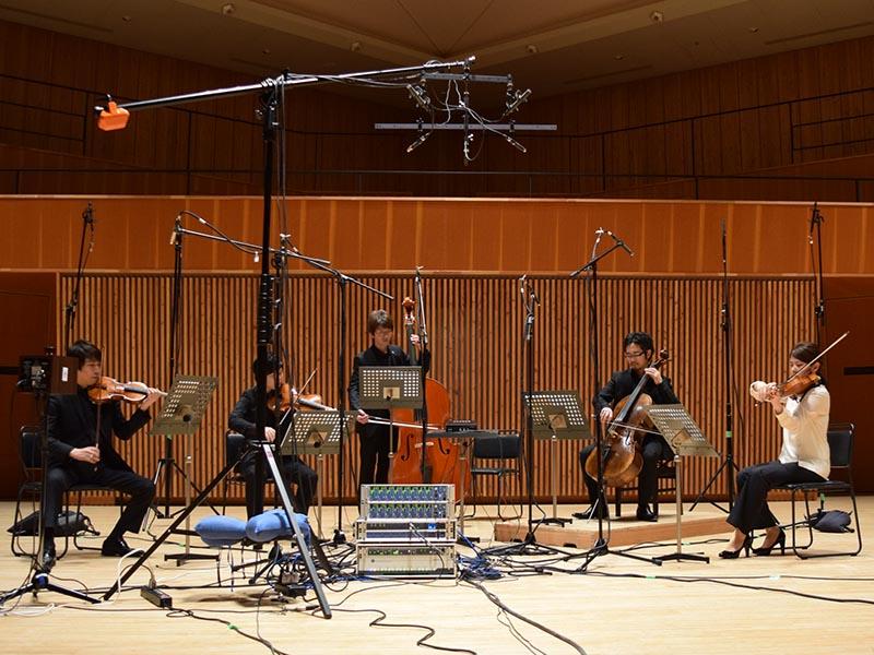 レコーディングは軽井沢大賀ホールで行なわれた