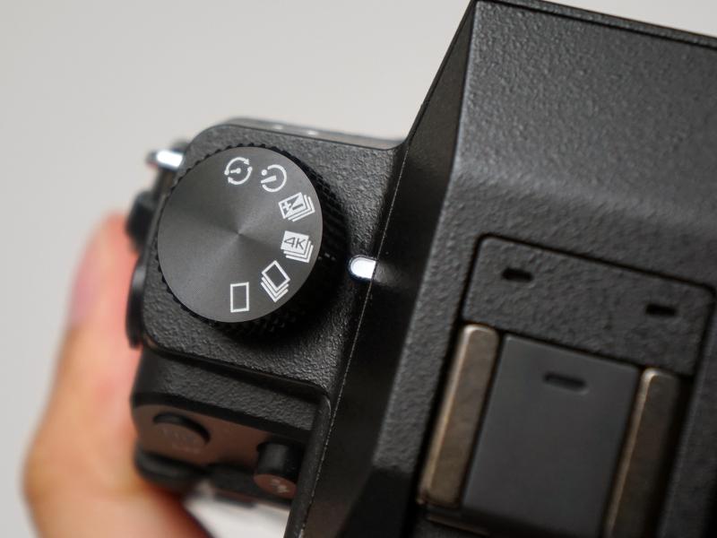 「4K PHOTO」モードが連写モードに追加