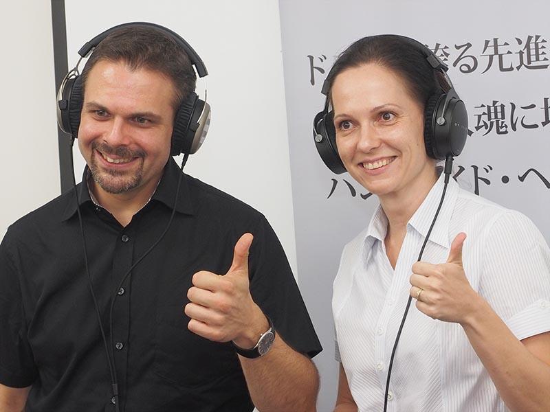 beyerdynamicのAnja Yates氏(左)と、Mario Gebhardt氏(右)