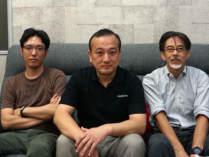 左からOPPO Digital Japan ITシステム室・開発室・品質評価室 室長の山本晋也氏、技術部 ディレクターの羽賀武紀氏、ディレクター 広報・マーケティング担当 松浦亮氏