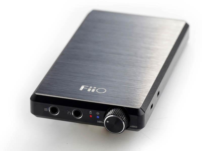 ポータブルヘッドフォンアンプ「FiiO E12」