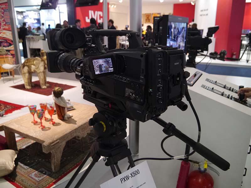 XDCAMカムコーダー「PXW-X500」はQoS対応のライブストリーミング機能を搭載する
