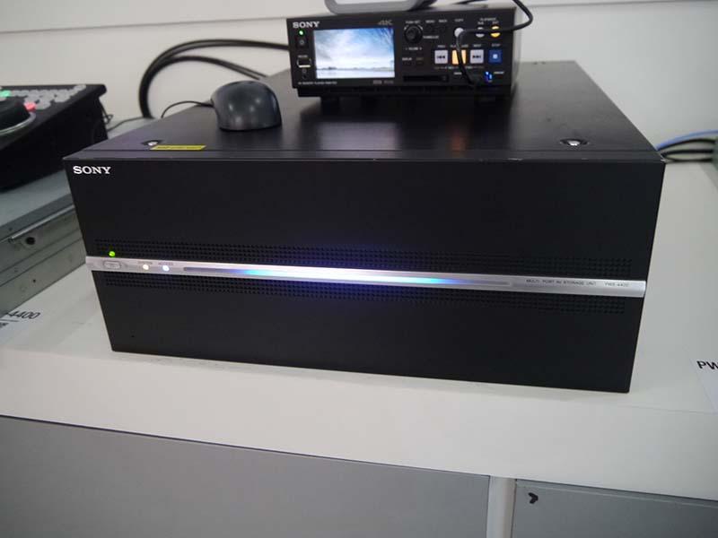 プロダクションビデオサーバー「PWS-4400」。4KからHDまでをカバーする