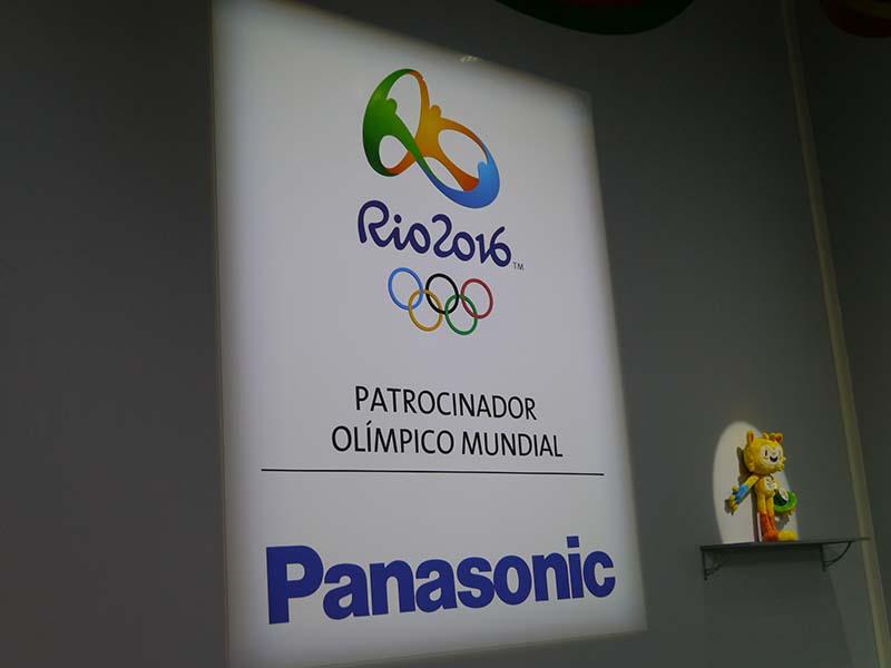 オリンピックのTOPスポンサーとしての強みを生かして、各種カメラを中心に展示