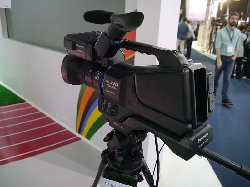 ブラジル市場向け専用の第1号製品となった「AG-AC8PB」
