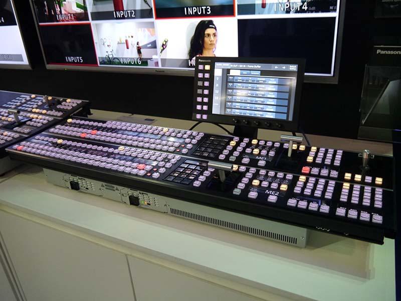 こちらもリオオリンピック会場への導入が決定したスイッチャー「AV-HS6000」。6台が導入される