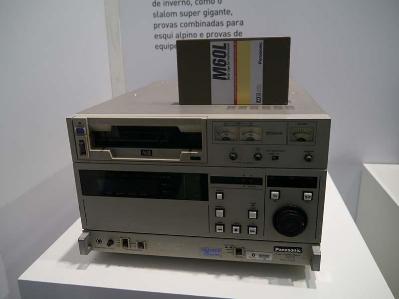1988年のカルガリーオリンピックでは、「MII」と呼ぶ大型のテープシステムで記録