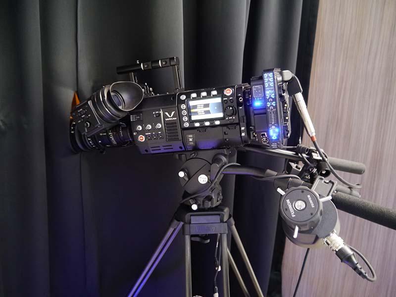 映画業界向けなどに投入した4Kカメラ「VARIAM 35」。中南米市場におけるパナソニックの新たな挑戦となる