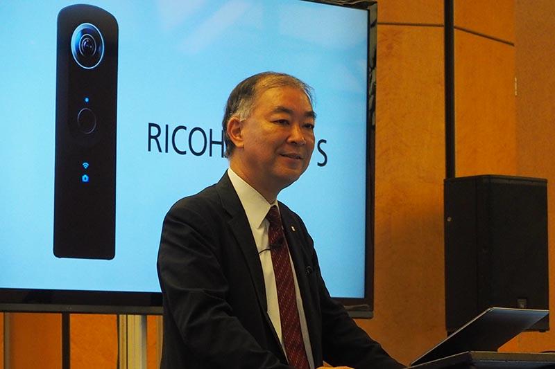 リコーイメージングの赤羽昇社長兼CEOがマーケティング戦略などを説明