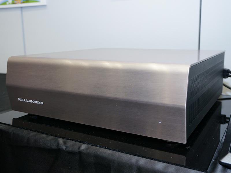 「パノラマVR PC」はオーディオ機器のようなデザインを採用