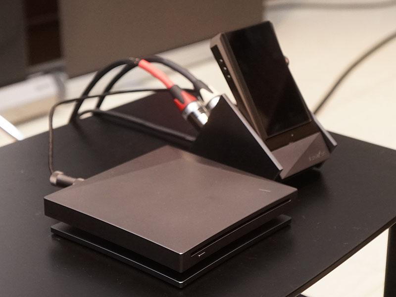 CDから対応AKプレーヤーに直接リッピングできるドライブ「AK CD-RIPPER」
