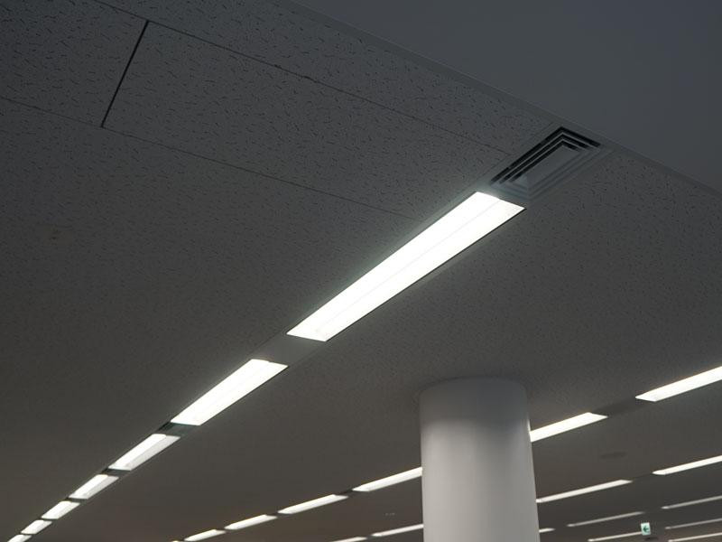 室内の照明はLED