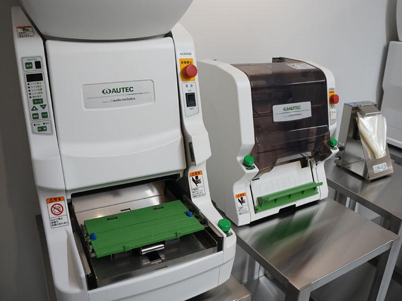 寿司メーカーなどの食品加工機器も手掛けている