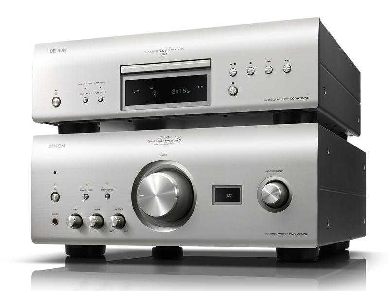 上がSACDプレーヤー「DCD-2500NE」、下がプリメインの「PMA-2500NE」
