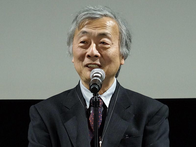 講評を行なう審査委員長の麻倉怜士氏