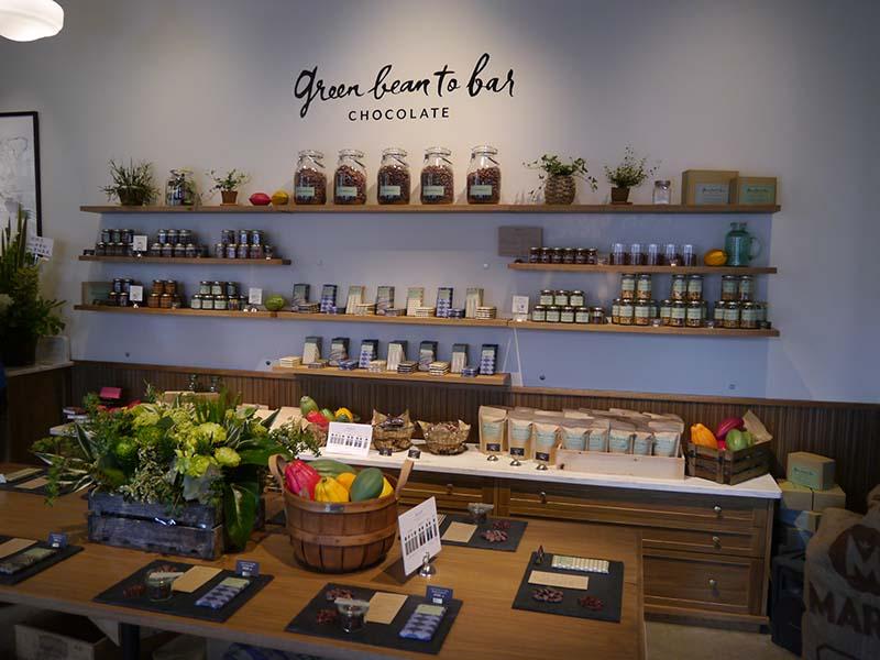 1階のチョコレート専門店のgreen bean to bar CHOCOLATE