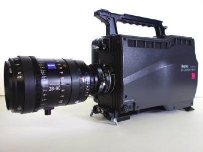 新開発の小型8Kカメラ