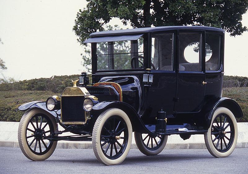 T型フォード センタードアセダン 1915年式
