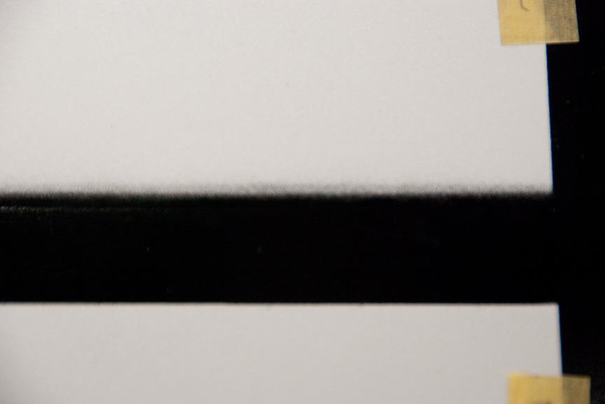ぼかしテープを使って塗装をすると均一なぼかし塗装を簡単に実現できる。マスキングテープを工夫して同様な効果を発揮させることもできるが、作業者の熟練度による差がないのは作業の均質性向上に寄与する