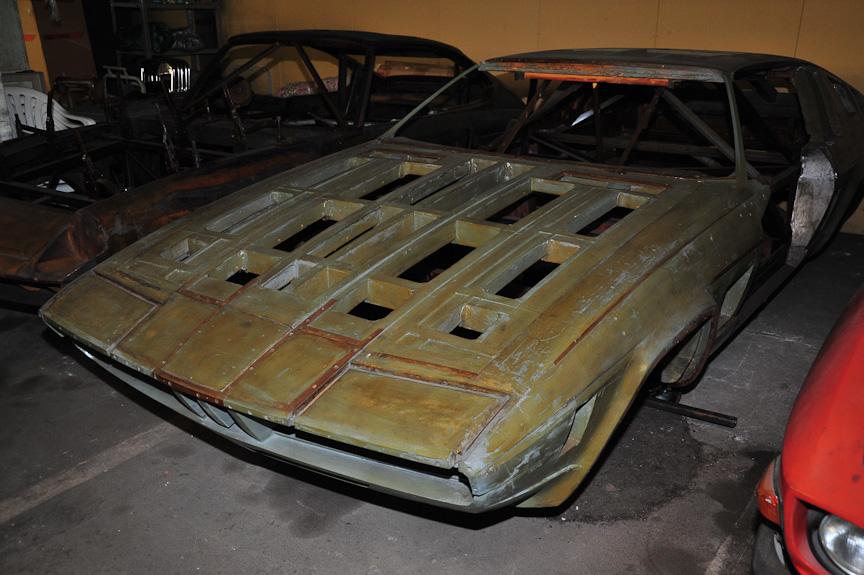 コレクションにはこのような木型もある。左はGLAS BMW GT、右は3Lクーペとなっている