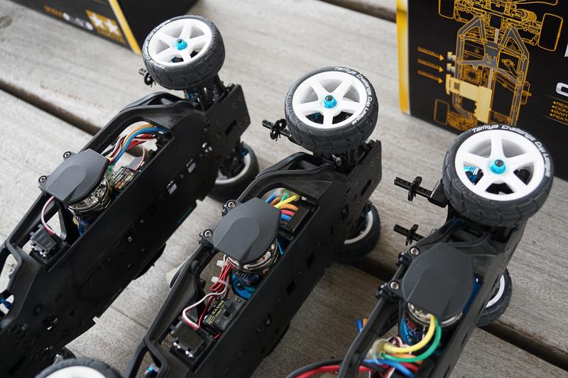 モーター搭載位置を変えた3つのTA07 PROシャーシキットを用意して体験走行をすることができた