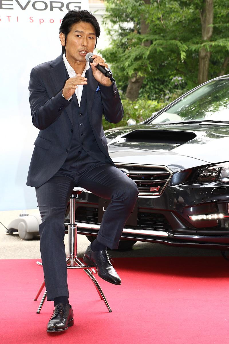 俳優として多方面の作品に出演している高橋克典氏