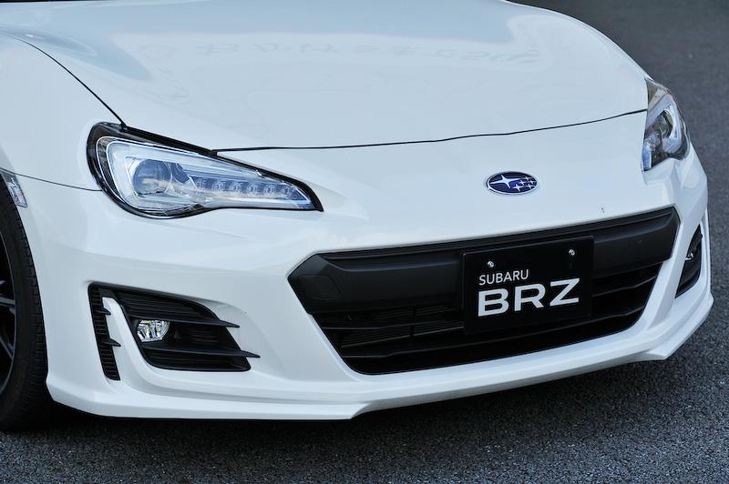 ビッグマイナーチェンジした新型BRZ(Sグレード/6速MT)。価格は297万円