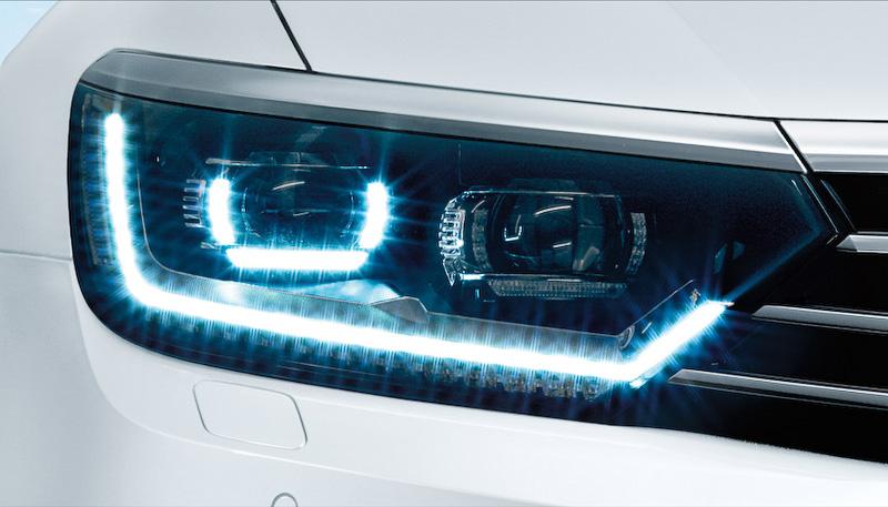 純正インフォテイメントシステム「Discover Pro」やLEDヘッドライト、ウィンドウフィルムを特別装備