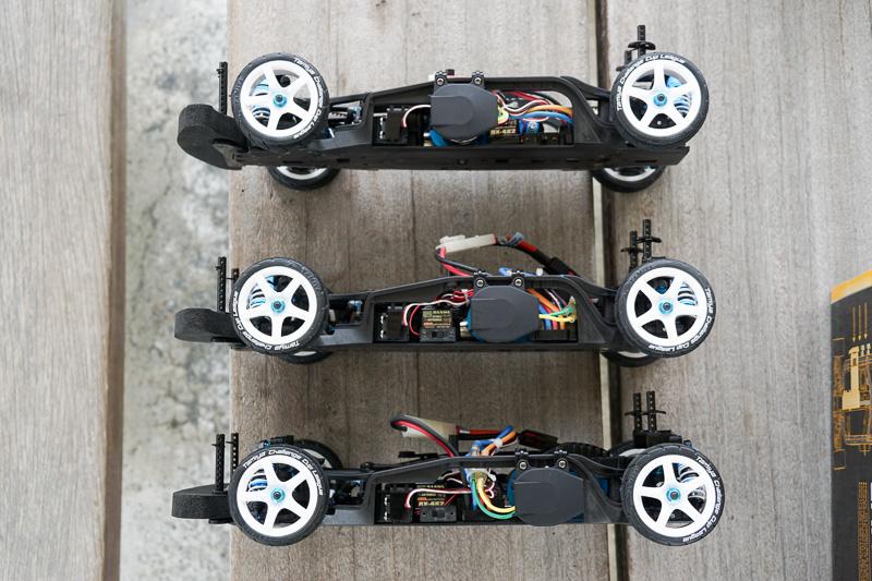 「TA07 PROシャーシキット」の取材会。モーターの搭載位置を変えた3台のRCカーを用意して、操作性の違いを体験できる時間が用意された