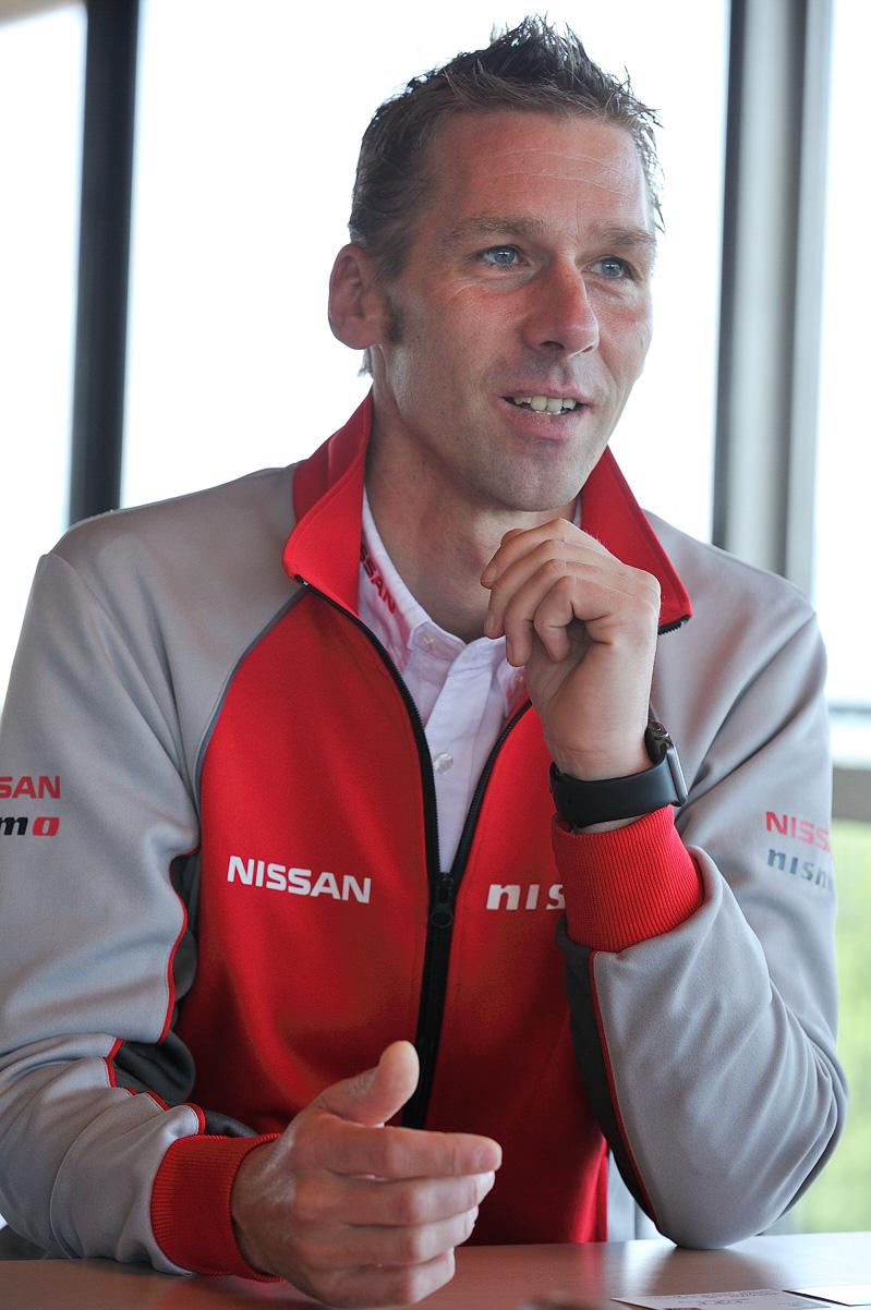 レーシングドライバーであり、NISMOアンバサダーも務めているミハエル・クルム氏
