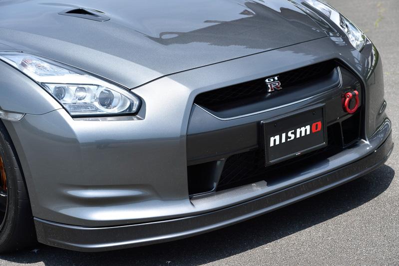 ヘッドライトは2013年モデルのLEDヘッドライトに変更