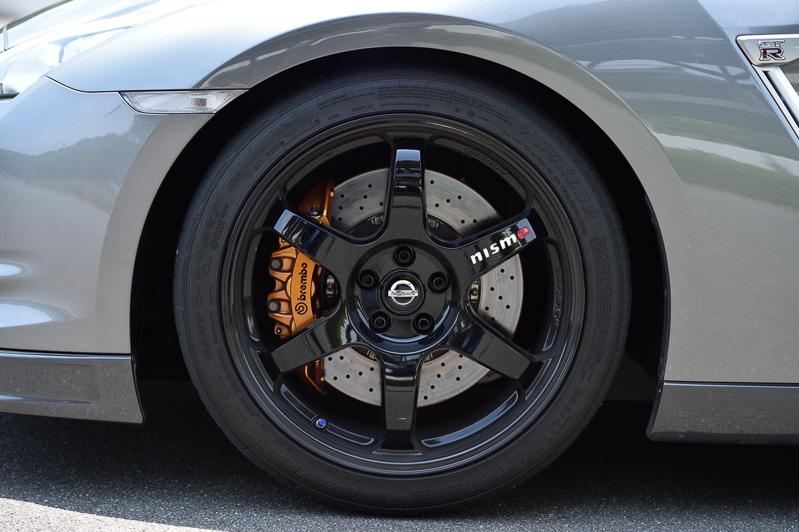 2015年モデルのTrack edition engineered by nismoで使われたタイヤ&ホイールを装着