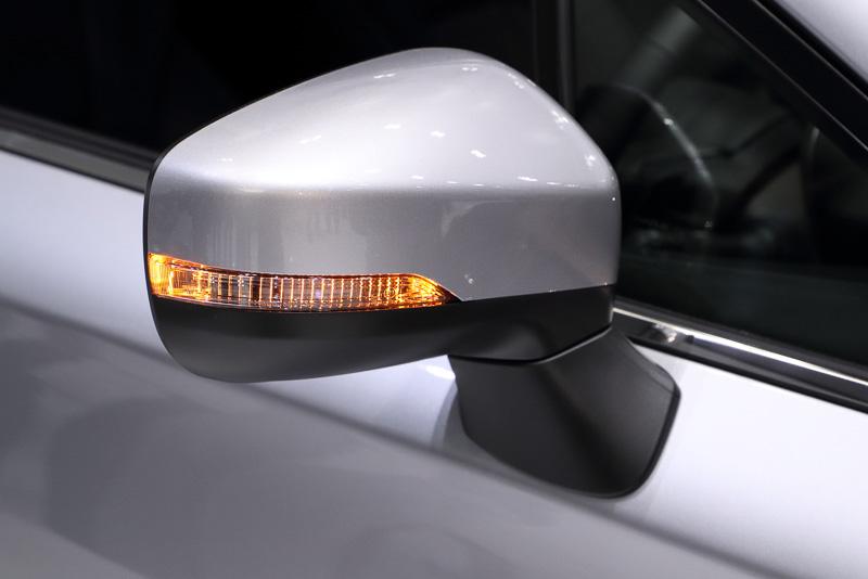 「インプレッサ SPORT」のヘッドライトやランプ類