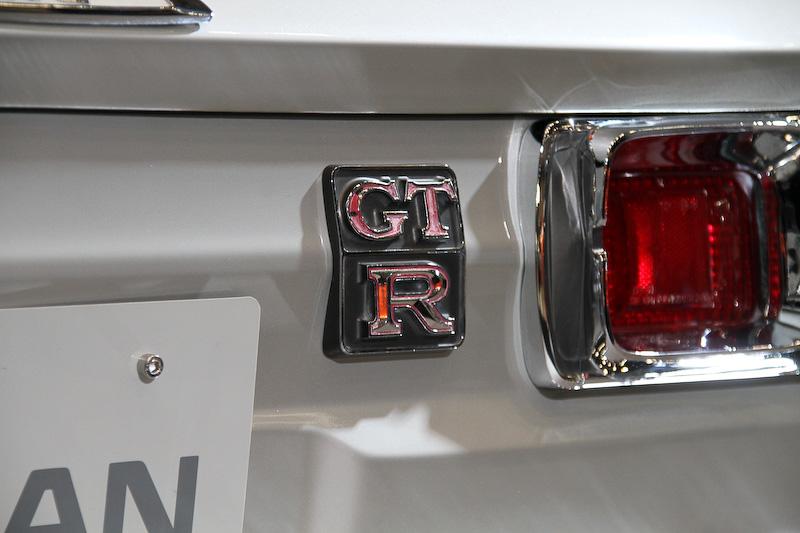 ニッサン・スカイライン2000GT-R KPGC10型(1972年)。R380用のエンジンを市販車向けに再設計した直列6気筒DOHC 2.0リッター「S20型」エンジンを搭載。最高出力は118kW(160PS)以上/7000rpm、最大トルク176Nm(18.0kgm)/5600rpmを発生