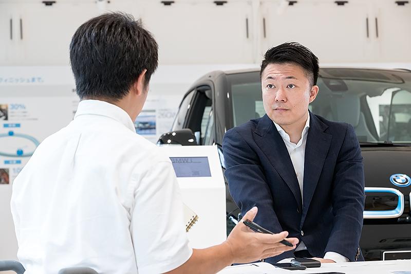 足が不自由な障がい者にとって免許取得のハードルの高さを知る神村氏