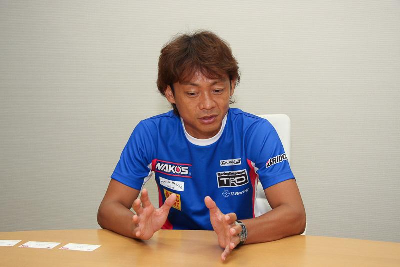人の顔つきやチームの空気感などを意識してコントロールしていると語る脇阪寿一氏