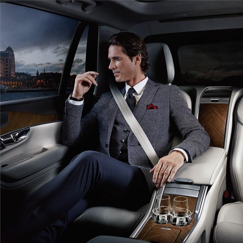 XC90 Excellenceは、運転手付での利用も想定した4人乗り高級SUV
