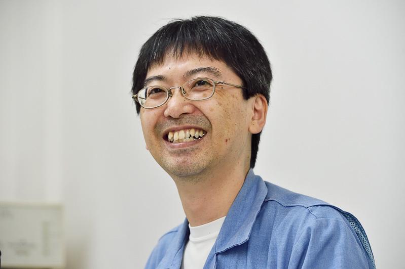 技術開発部 主任、鈴木 和参さん。水冷パソコンのテストにお付き合いいただきました