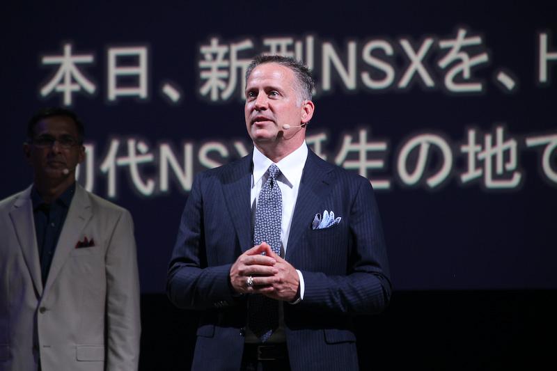 新型NSXの開発責任者を務めるテッド・クラウス氏