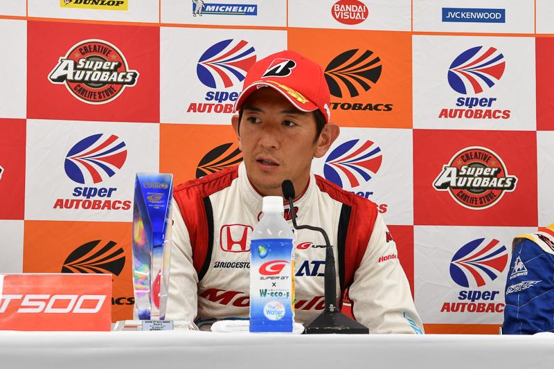 1分47秒456のコースレコードを記録した武藤英紀選手(ポールポジション記者会見より)