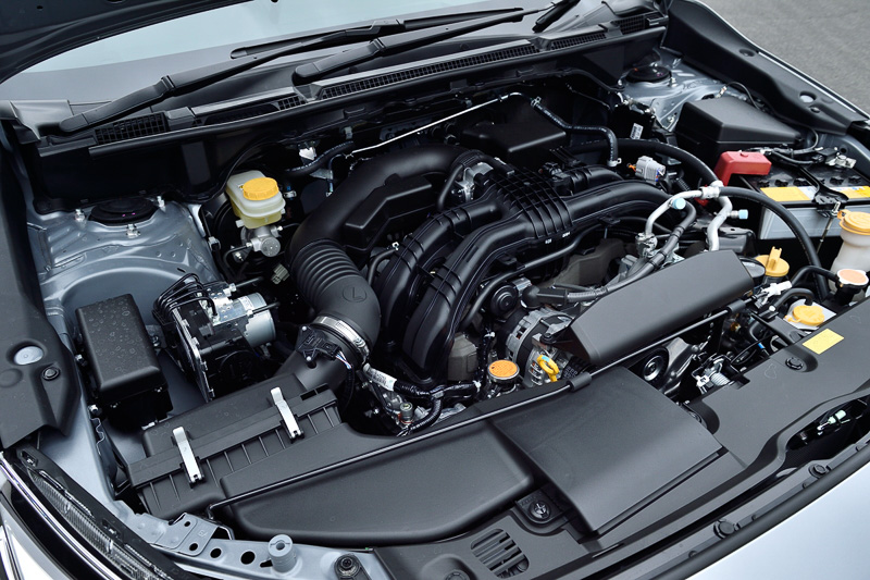 デュアルAVCS直噴の水平対向4気筒DOHC 2.0リッターエンジン「FB20」。最高出力は113kW(154PS)/6000rpm、最大トルクは196Nm(20.0kgm)/4000rpm