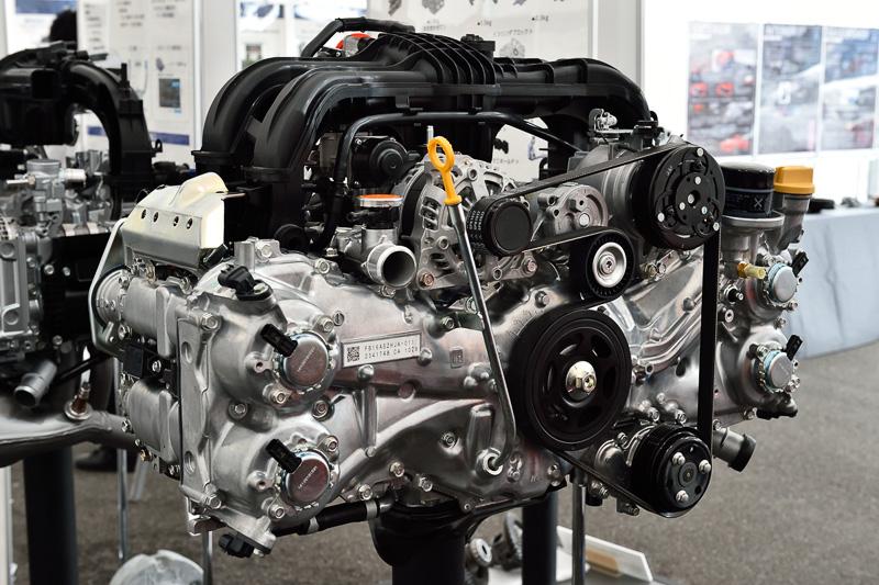担当者が「85%ほど改良した」という1.6リッターの「FB16」エンジン。最高出力85kW(115PS)/6200rpm、最大トルク148Nm(15.1kgm)/3600rpmを発生