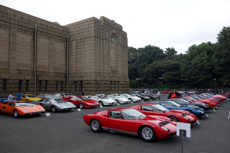 会場にはクラシックカーの品評会「ランボルギーニ・デイ コンクール・デレガンス TOKYO 2016」やパレードへの参加車両が並べられた